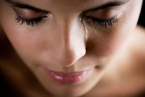 elitedaily_cryingwoman3-485x323