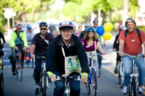 Commuters biking to work